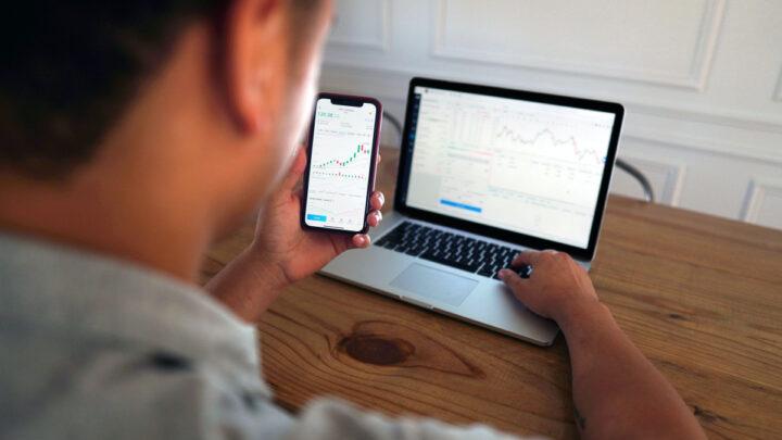 5 trin til at begynde at investere i aktiemarkedet for begyndere